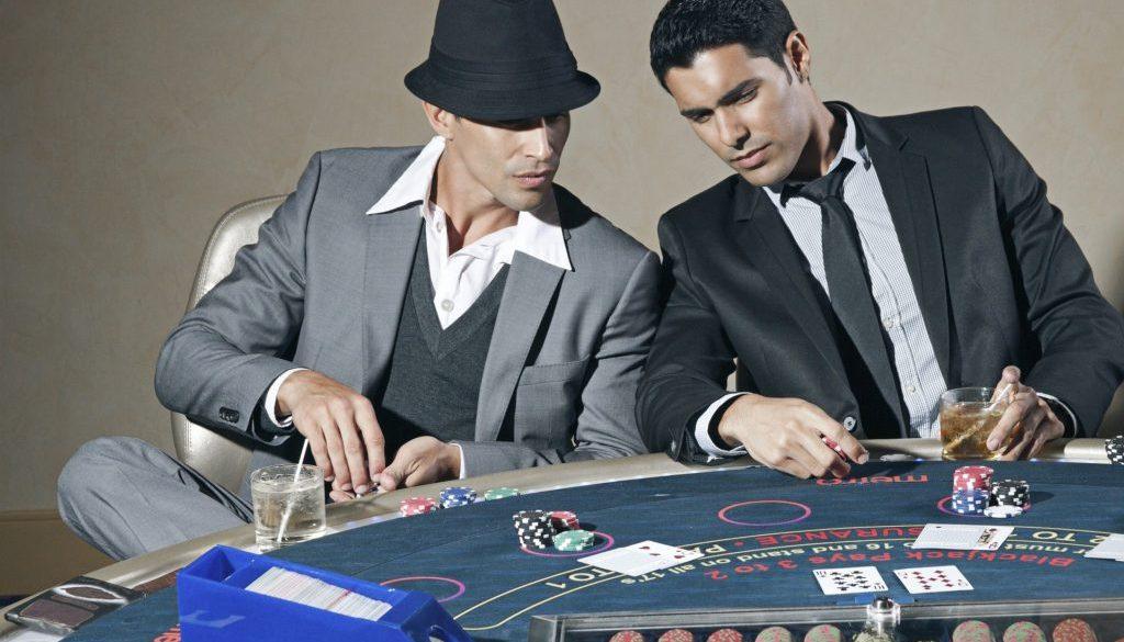 Le poker et le bluff